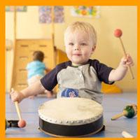 Первые музыкальные инструменты для ребенка