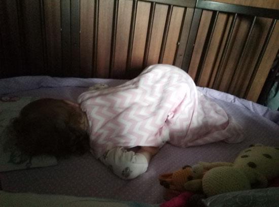 Всех разбудила и решила еще поспать