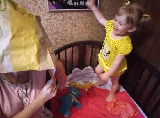 Что может быть смешнее мамы с бумажным пакетом на голове?